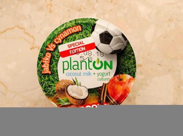 Planton. Coconut milk yogurt apple vs cinnamon