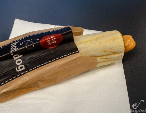 Orlen. Hot-dog z parówkąwegańską