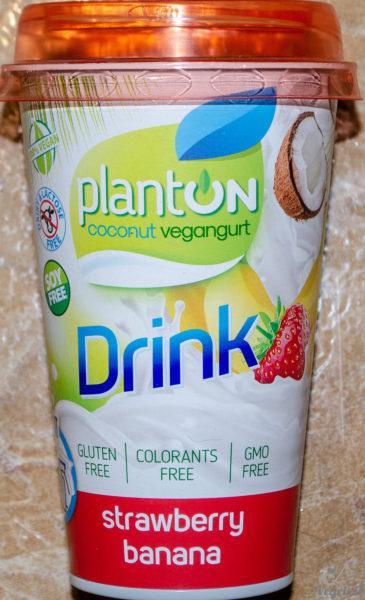 Planton. Coconut vegangurt drink. Strawberry banana