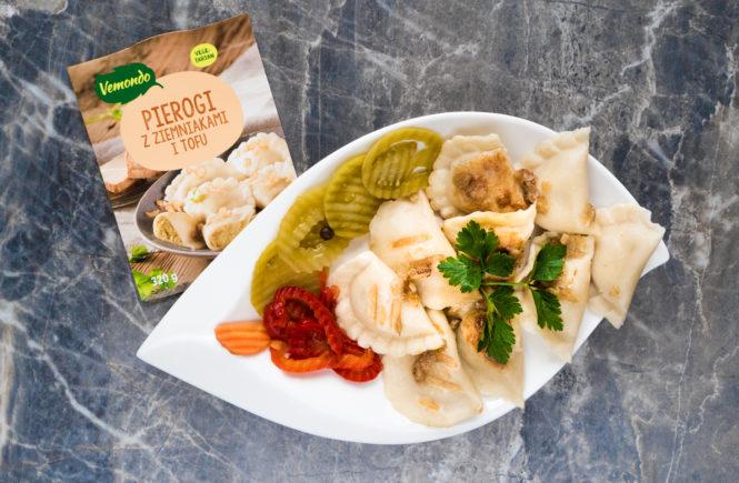 wegański blog test pierogów z tofu z lidla