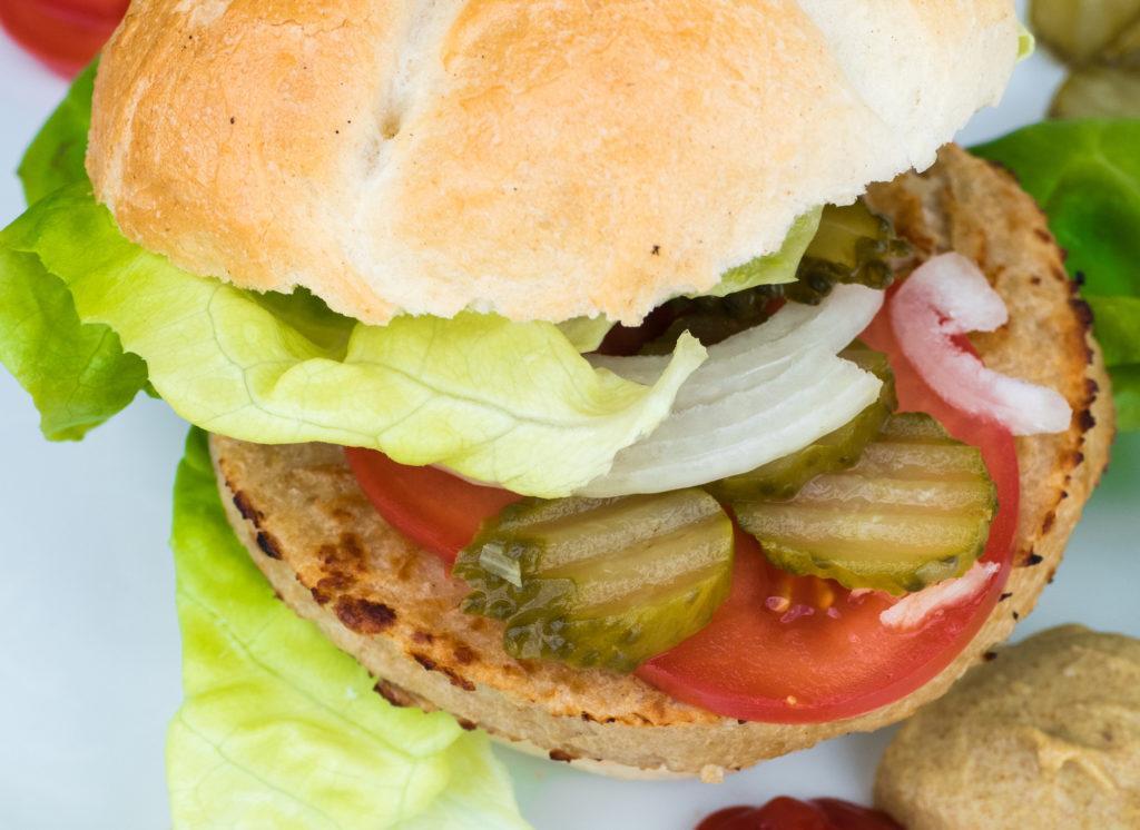 wegański blog testuje burgera wegańskiego z biedronki